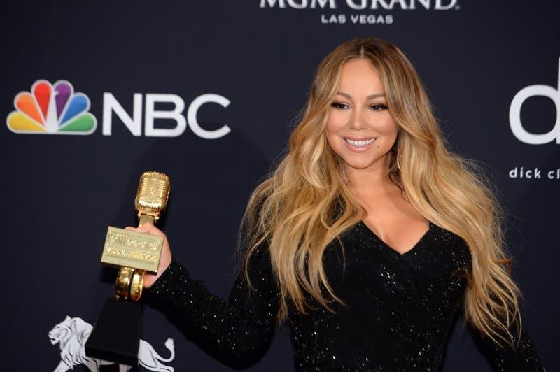 Mariah Carey lleva a otro nivel el #BottleCapChallenge