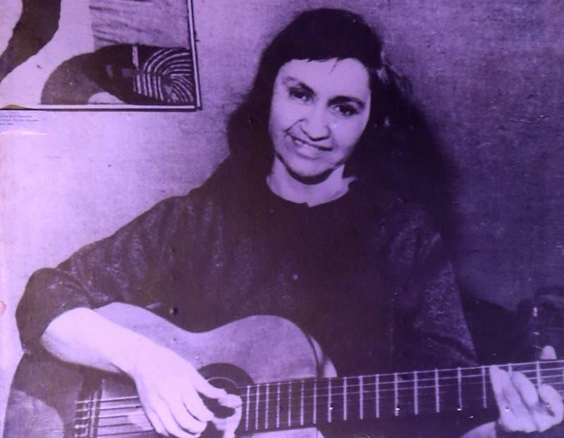 """La última carta de Violeta Parra: """"Yo no me suicido por amor"""""""