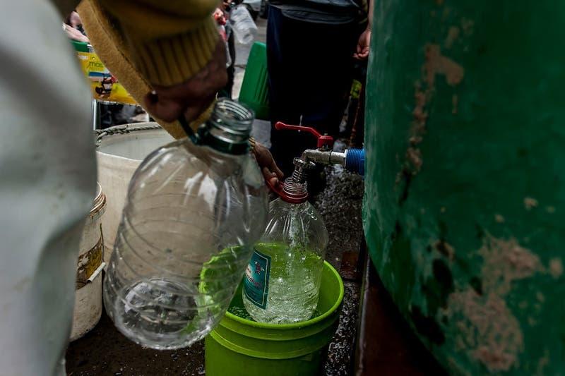 Osorno: Essal informa que reposición de agua potable por contaminación podría demorar hasta 7 días
