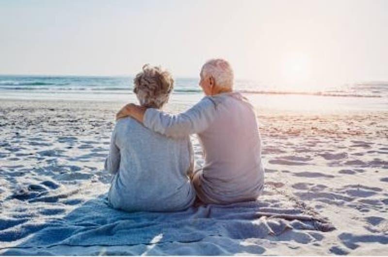 Pareja de ancianos casados por  más de 71 años mueren en el mismo día