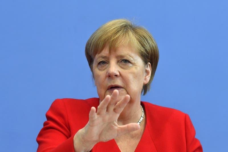 Ángela Merkel se distancia de los ataques de Donald Trump contra las congresistas