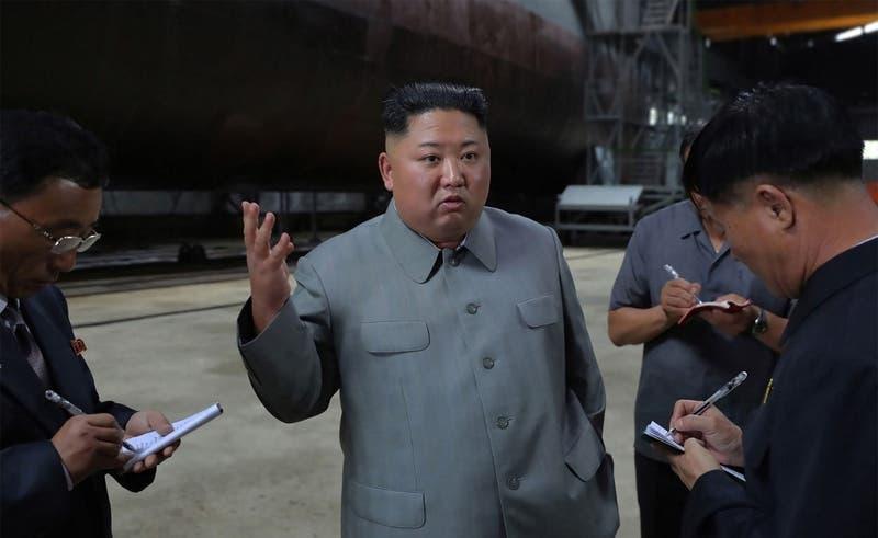Kim Jong Un inspeccionó nuevo submarino provocando una nueva tensión en la península y con EEUU