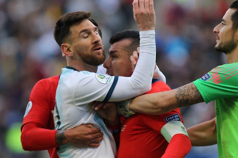 Conmebol sanciona a Lionel Messi con un partido y una multa económica tras expulsión ante Chile