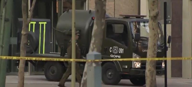 Cómo funciona el contenedor antibombas usado por Carabineros en Las Condes