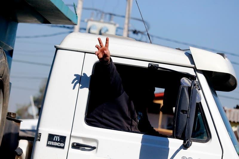 Gobierno lanza ambicioso plan para suplir déficit de 15 mil camioneros profesionales
