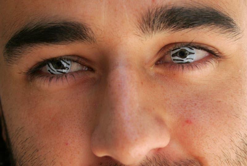Desarrollan lente de contacto que activa un zoom cuando se parpadea