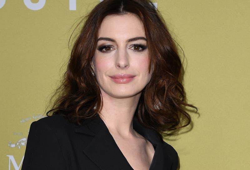 A Anne Hathaway le exigieron no subir de peso para su primer papel en Hollywood: tenía sólo 16 años