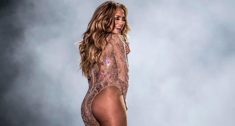 """[FOTO] El sensual atuendo de Jennifer Lopez en su nueva película: Será una """"stripper"""""""