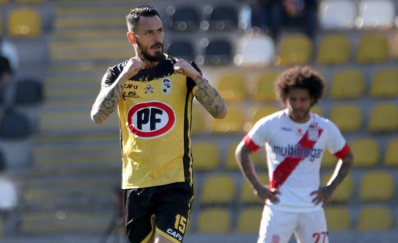 Coquimbo Unido da vuelta el partido a Curicó con un doblete de Mauricio Pinilla