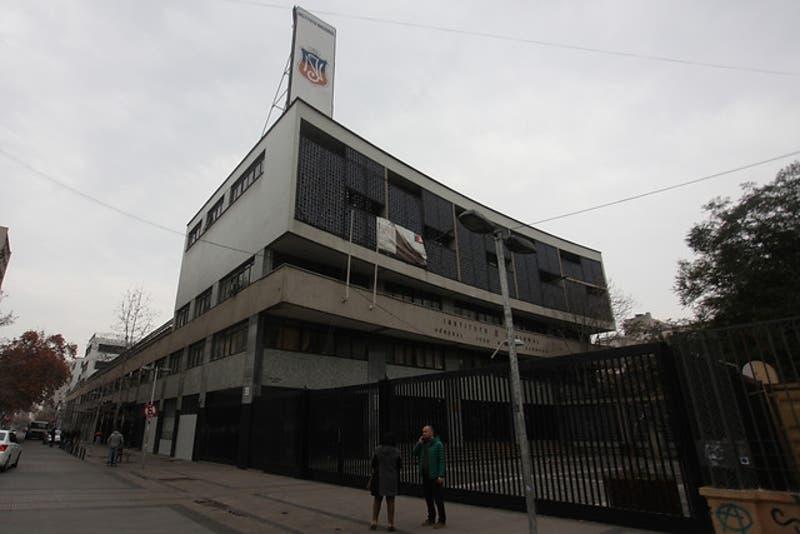 Confirman que joven de 17 años sufrió un accidente al interior del Instituto Nacional