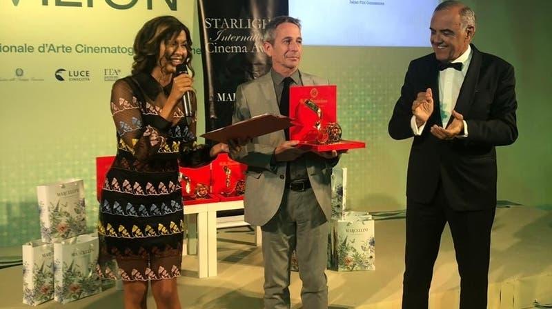 Alfredo Castro fue premiado en el Festival de Venecia: Pidió restitución de fondos para cine chileno