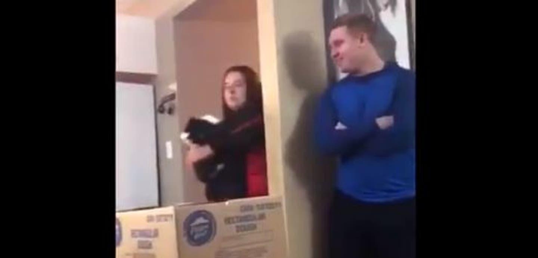 [VIDEO] La graciosa reacción de un gato al recibir un gran susto junto a su dueña