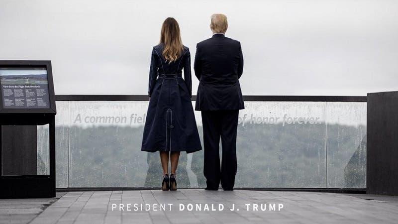 Afirman que abrigo de Melania Trump alude a las Torres Gemelas
