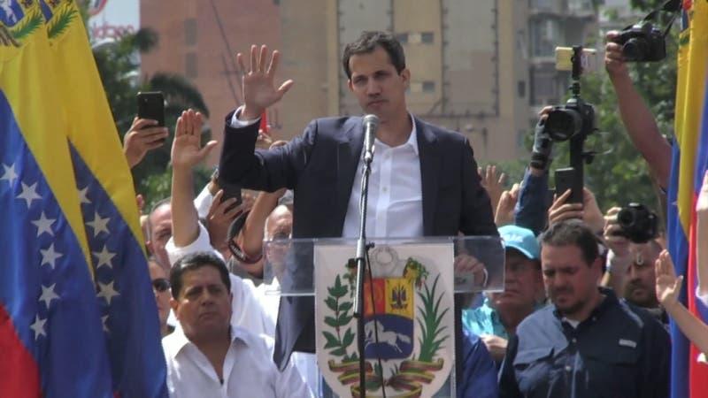 Fotos de Juan Guaidó en la frontera con Colombia complican al autoproclamado presidente