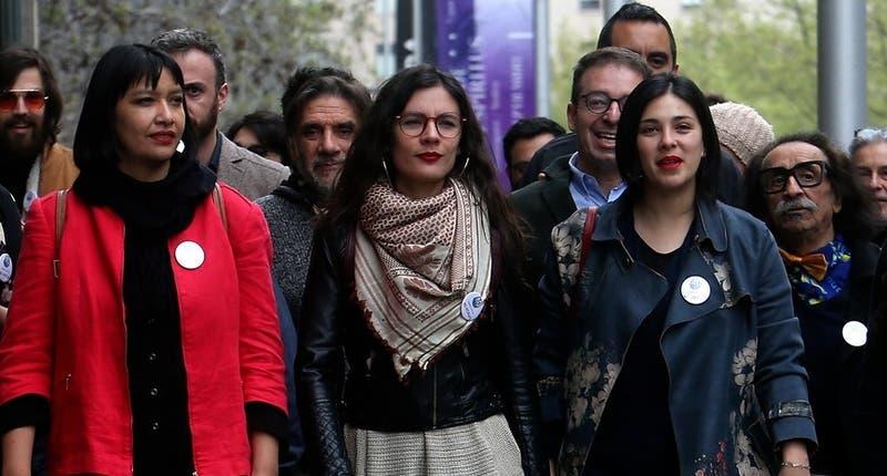 """Diputadas Vallejo y Cariola insisten en autorización del """"Festival por las 40 horas"""""""