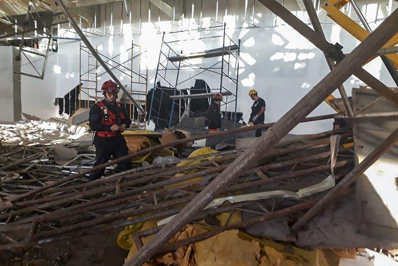 Un muerto y diez heridos deja derrumbe en obra en aeropuerto argentino de Ezeiza