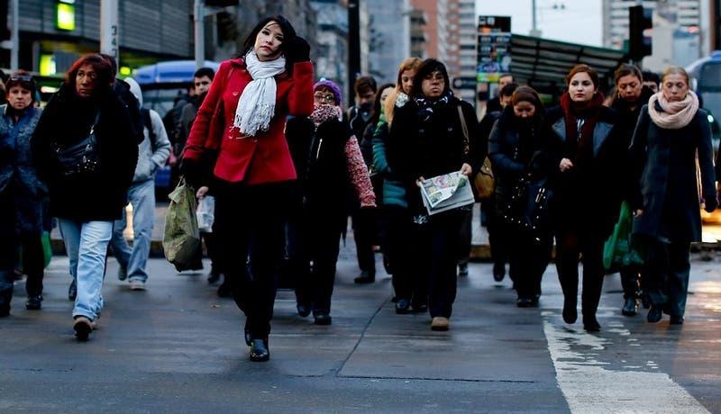 Nueva jornada de frío en Santiago: Mínima alcanzaría los 2°C
