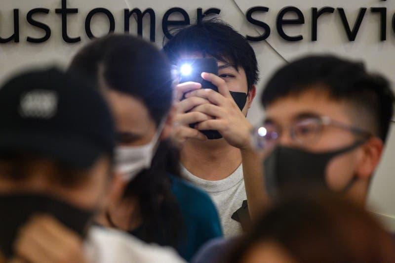 Apple retira una controvertida aplicación de Hong Kong tras advertencia de China