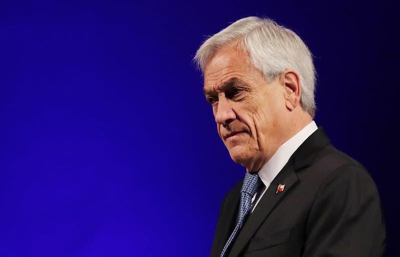 """Presidente Piñera no descarta """"modificar la Constitución"""" ante pugna entre Corte Suprema y TC"""