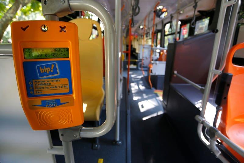 Ministerio de Transportes asegura que tarjetas Bip y Pase Escolar funcionan con normalidad