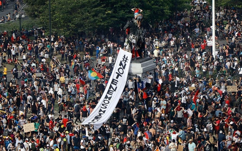 Daddy Yankee, Nicky Jam y otros: Los exponentes del género urbano que apoyan las protestas en Chile