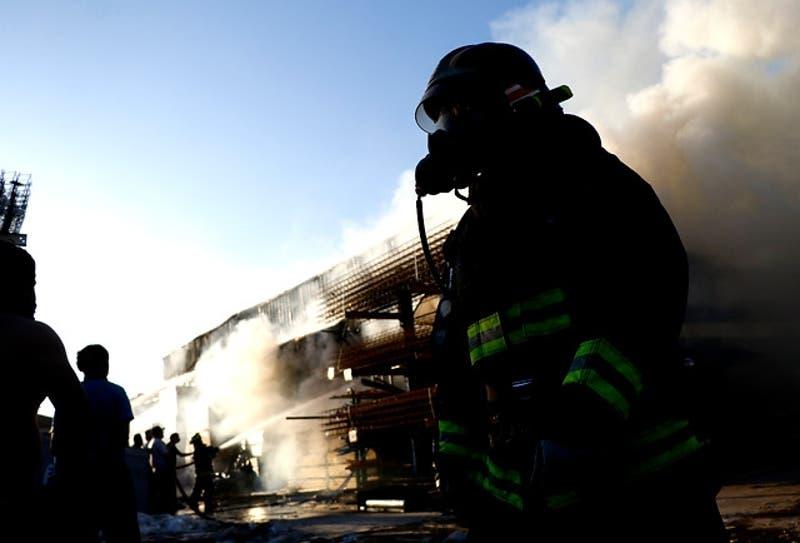 Confirman identidad del segundo fallecido en el incendio de un Construmart en La Pintana