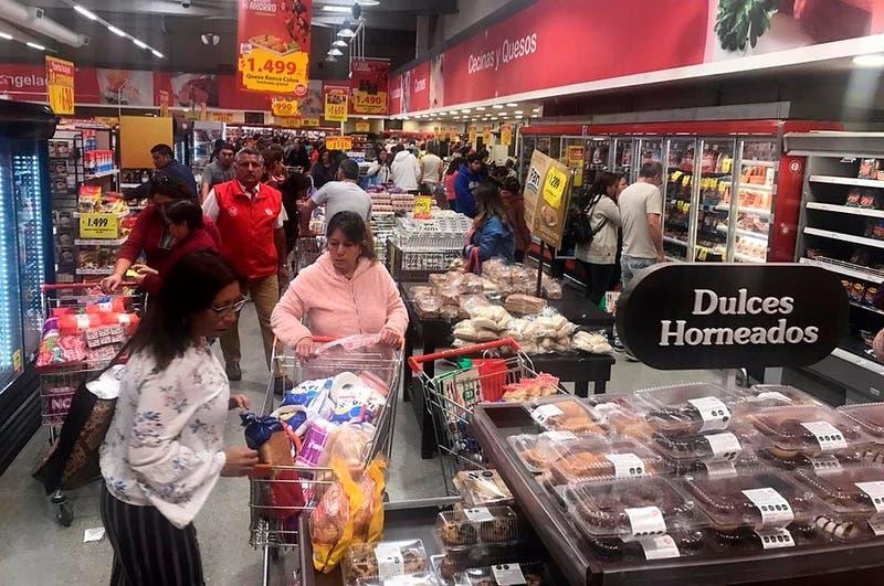 Así funcionarán supermercados y centros comerciales este lunes 28 de octubre