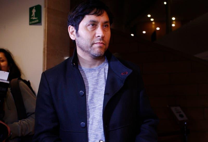 """Claudio Narea: """"Sobran saqueadores, faltan líderes creíbles"""""""