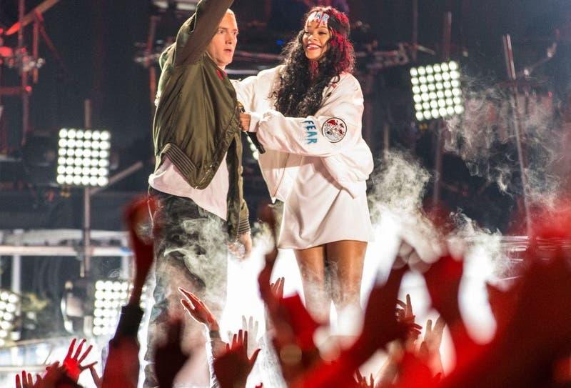 Filtran tema de Eminem: apoyó a Chris Brown por golpear a Rihanna