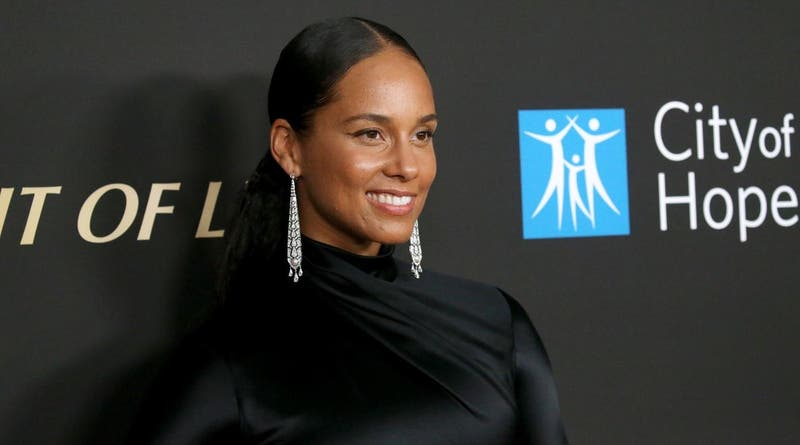Alicia Keys defiende que su hijo de 4 años se pinte las uñas