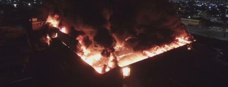 Incendio supermercado Líder en Arica