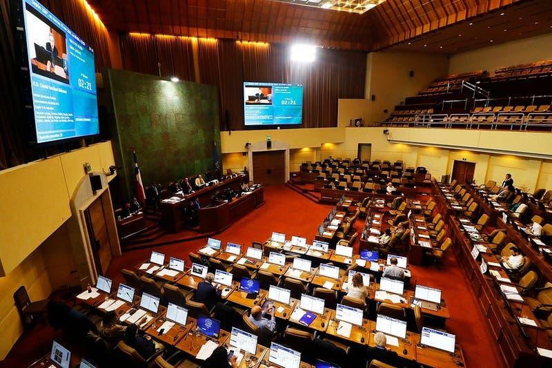 Diputados rechazan acuerdo sobre Pensión Básica Solidaria y se discutirá en Comisión Mixta