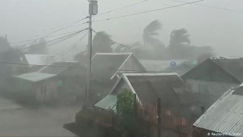 "Tifón Kammuri azota Filipinas con ""vientos violentos"""