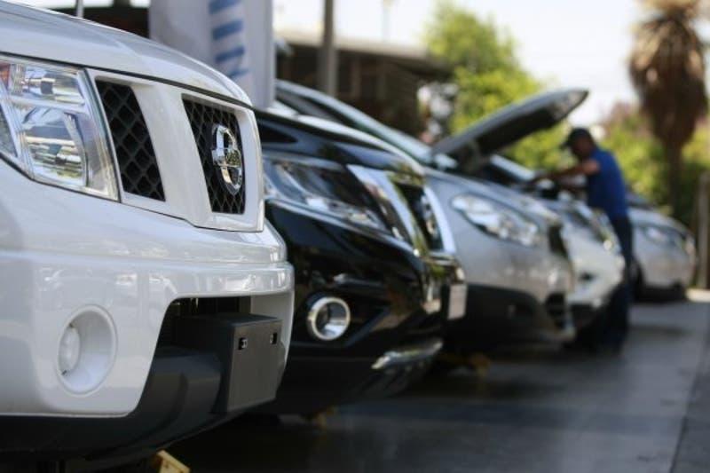 Derrumbe en la venta de autos en octubre impacta a la actividad del comercio