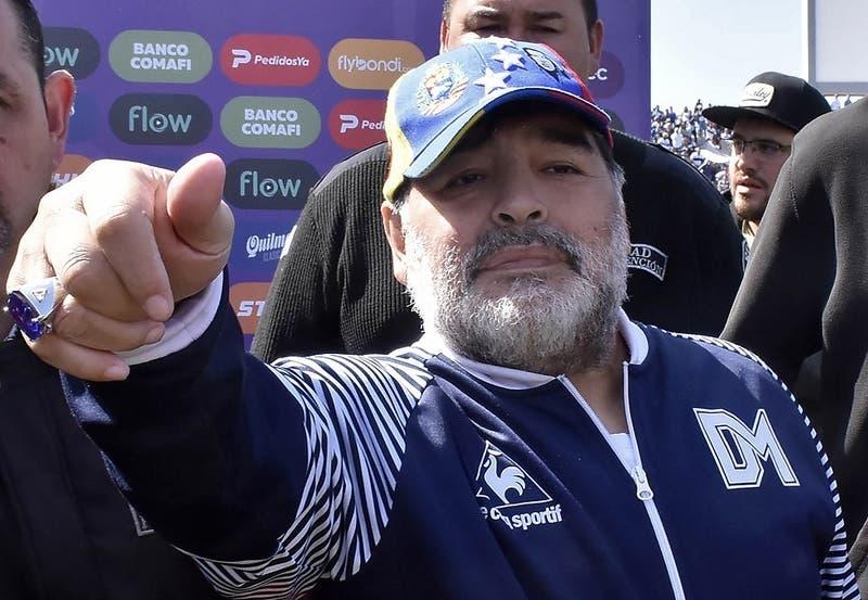 Diego Maradona saluda a San Luis de Quillota por sus 100 años