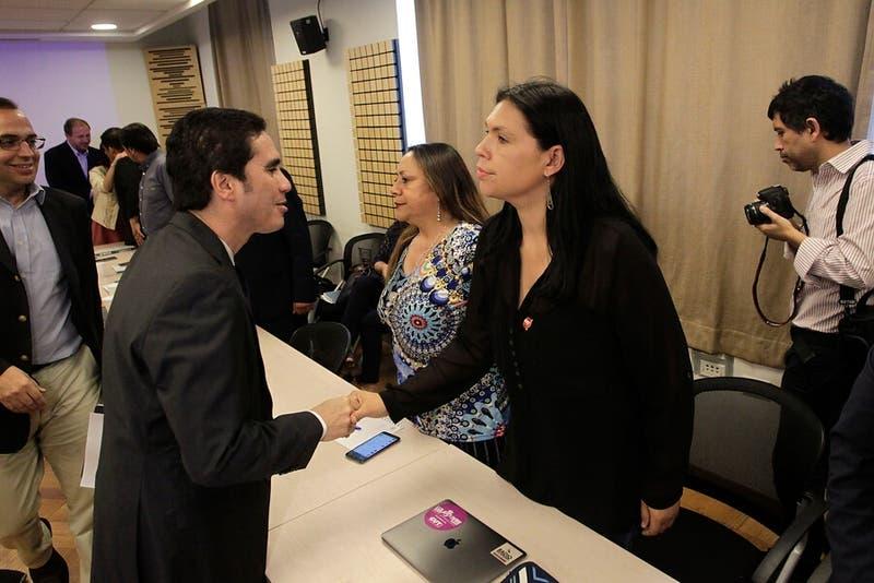 Gobierno acuerda con 10 gremios del Sector Público reajuste salarial para 2019