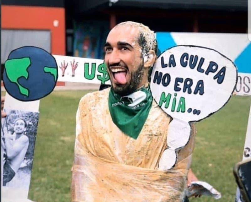 Rechazo en Argentina por estudiante que se burló de los femicidios en su licenciatura
