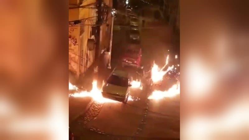 [VIDEO] Carabineros y PDI fueron atacados con bombas molotov en Valparaíso