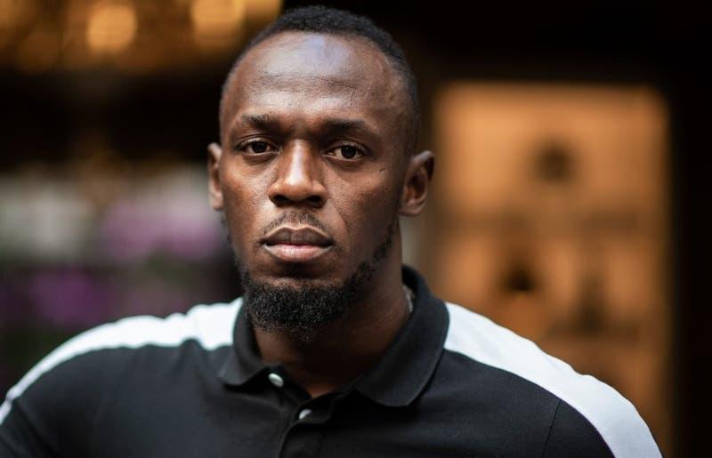 """[VIDEO] Usain Bolt sorprende con su """"nuevo aspecto físico"""" en carrera en Estadio Olímpico de Tokio"""