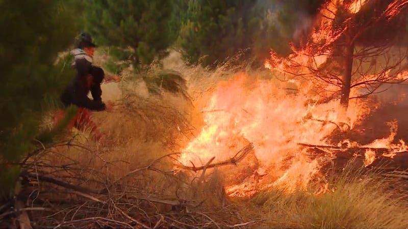 """Condiciones extremas de calor amenazan con una nueva """"tormenta de fuego"""""""