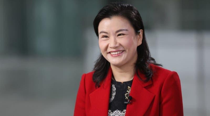 Mujeres Bacanas: Zhou Qunfei, la mujer más rica de China que nació en absoluta pobreza