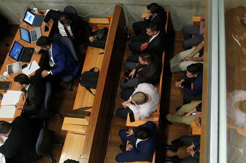 5 de los 12 Carabineros formalizados por torturas en Ñuñoa quedan en prisión preventiva