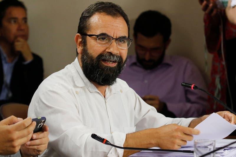 Parlamentarios de Chile Vamos presentan requerimiento ante el TC para destituir a Hugo Gutiérrez