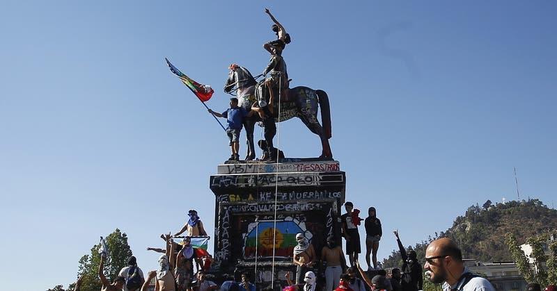 Tras decisión por monumento a Baquedano: CMN se abre a relocalizar otras estatuas