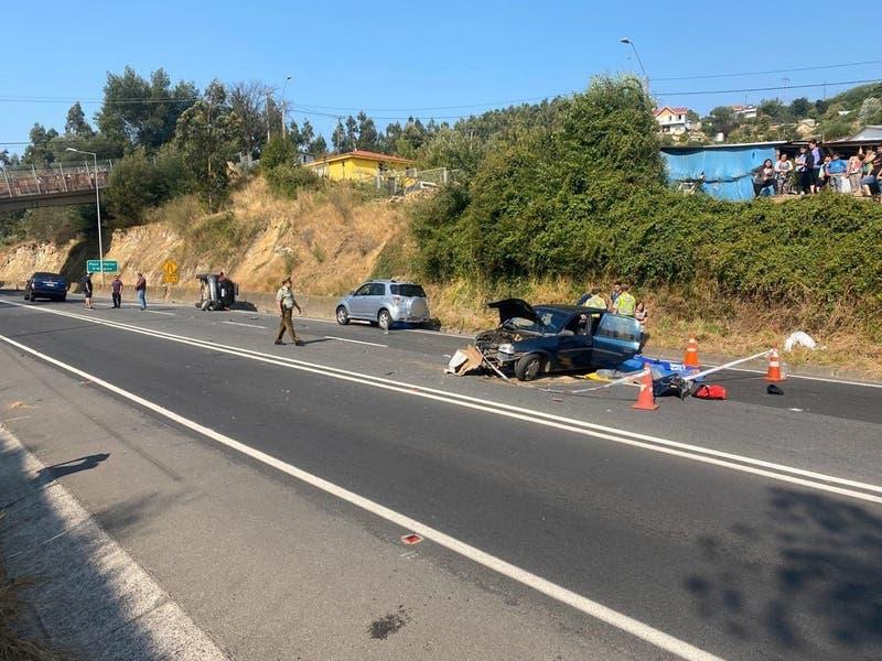 Un fallecido y doce heridos deja colisión múltiple en Penco