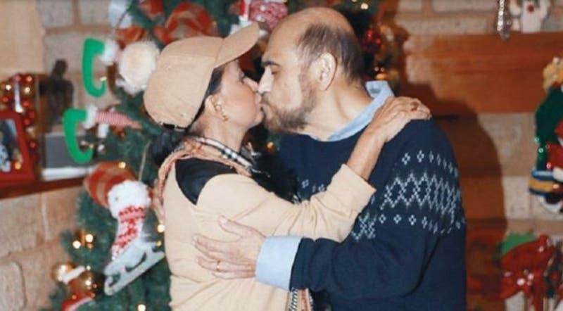 """""""Estoy viuda y él soltero"""": La Chilindrina sale a explicar foto en donde besa al Señor Barriga"""