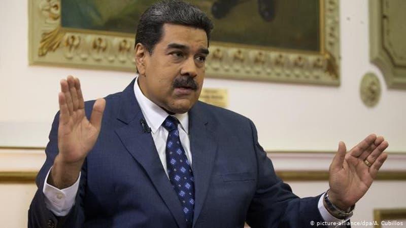 """Maduro ordena comenzar la venta de petróleo en la criptomoneda """"petro"""""""