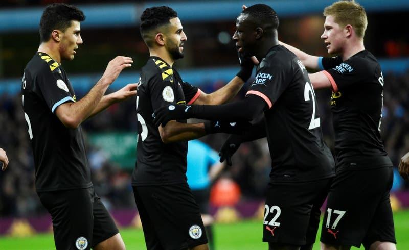 """Acusan al plantel de Manchester City de vivir una """"alocada"""" celebración privada con modelos"""