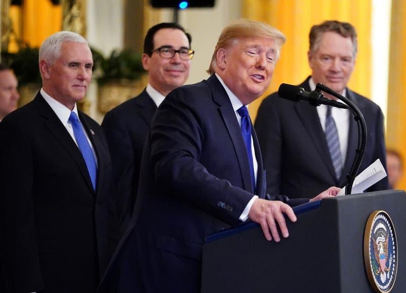 """Estados Unidos y China firman primera fase de tregua a la """"guerra comercial"""""""