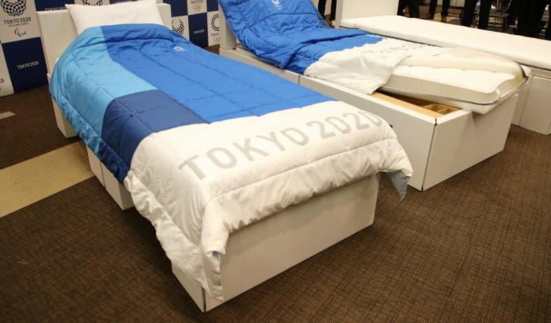 Camas ecológicas de cartón en Tokio 2020: La insólita recomendación sexual para los atletas
